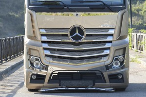 Mercedes Trucks, debutta Actros Iconic Edition (ANSA)