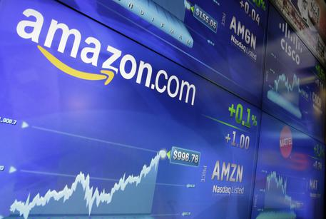 Amazon: stampa, intelligenza artificiale discriminava donne © AP