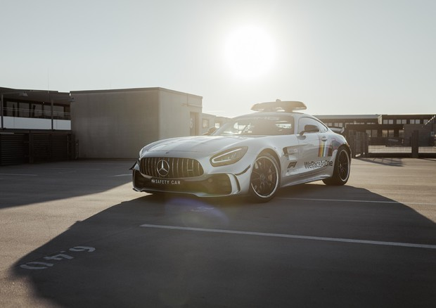 AMG GT R, safety car di F1 con l'arcobaleno 'solidale' © ANSA